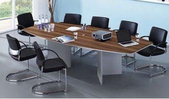 Konferenztisch mit Wangengestell