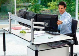 vierfache Monitor-Schreibtischhalterung