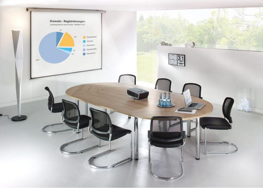 ovalförmiger Besprechungstisch für 10 Personen