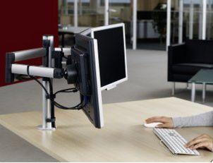 dreifache Monitor-Tischhalterung