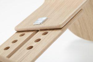 Schreibtischhocker mit höhenverstellbarem Schwinggestell