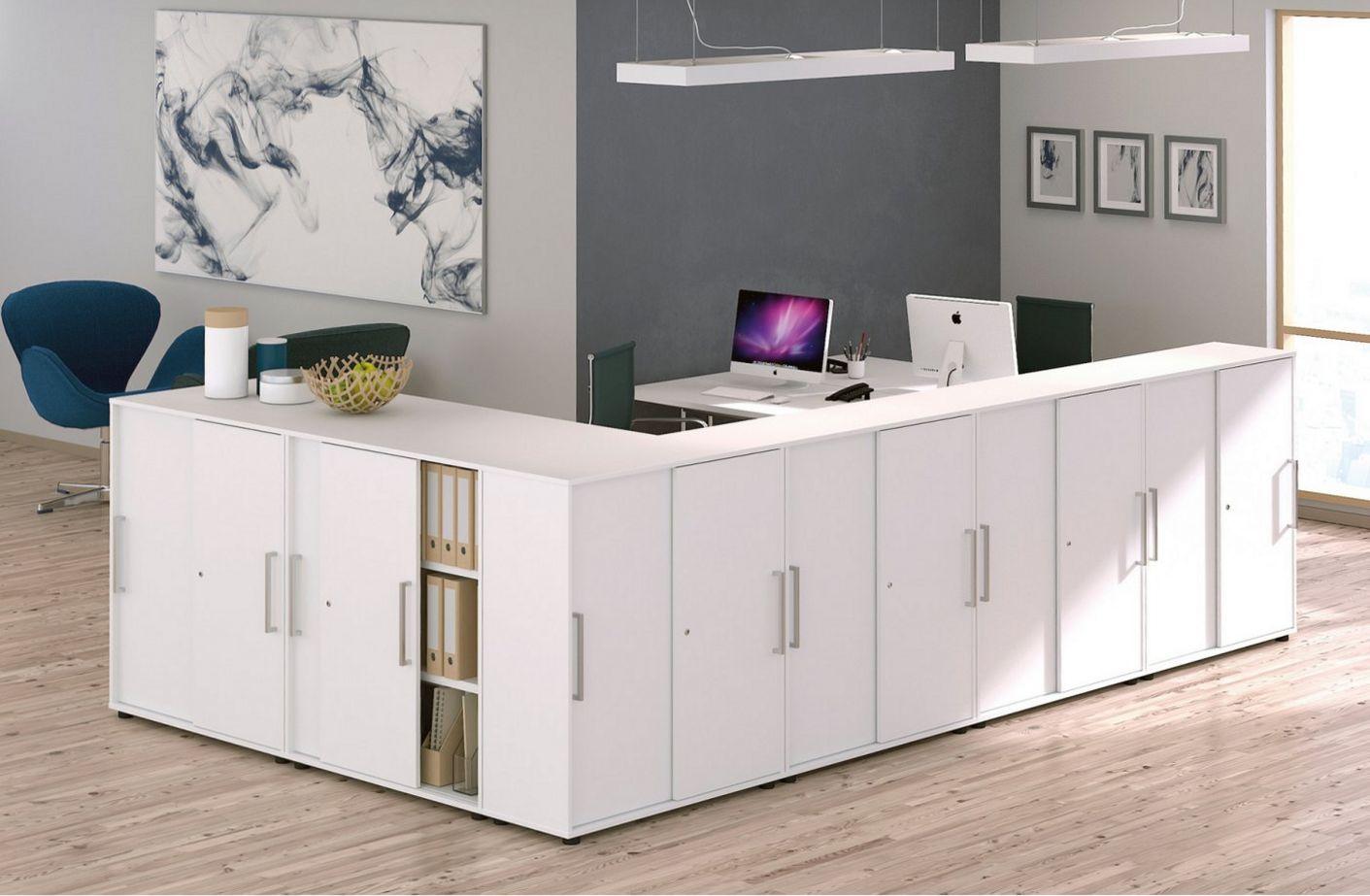 Büroschränke mit Schiebetüren als Büroraumteiler