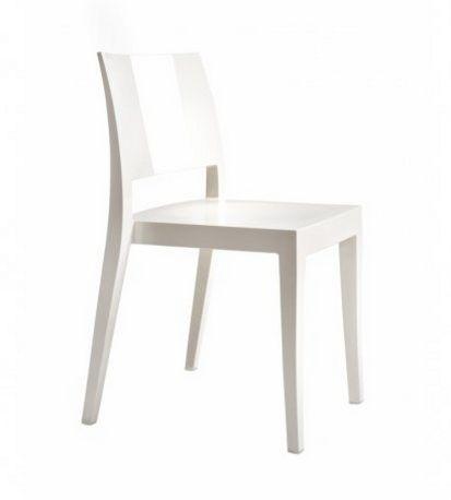 stapelbarer Stuhl mit weißer Sitzschale