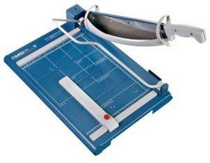 Papierschneidemaschine arretierbare Bügelpressung