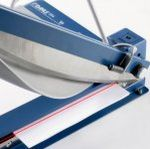 Papierschneidemaschine mit Laserlicht