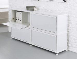 weißer Büro-Metallschrank (180 x 85 cm) mit vier abschließbaren Klappfächer