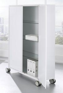weißer Metallschrank (Breite x Tiefe x Höhe = 120 x 40 x 165 cm) mit Laufrollen