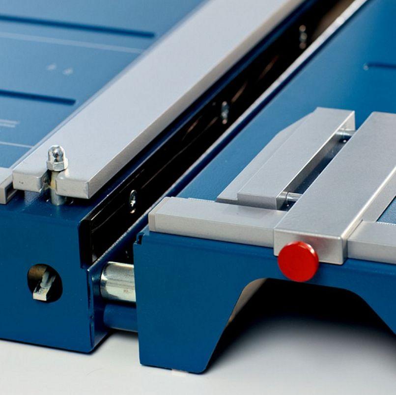 Papierschneidetisch robust und sicher