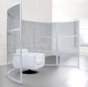 moderner Raumteiler und Diskretionswand  aus transparentem Acrylglas