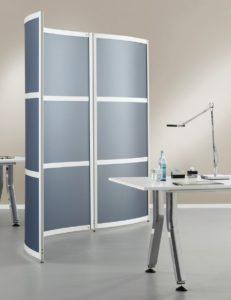 winkelvariabel verkettbarer Raumteiler und Sichtschutzwand