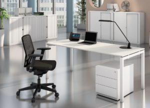 Schreibtisch, Bürostuhl zum Sonderpreis