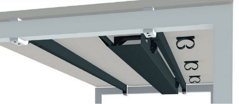 Schreibtische mit Metall-Kabelwanne