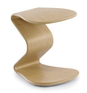 Schreibtisch-Sitzhocker für Kinder mit einem leicht schwingbaren Holzgestell